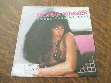 45 tours DONNA SUMMER there goes my baby
