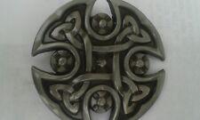 Round Celtique Style Boucle de ceinture, en Satin Nickel & Noir Finition émaillé.