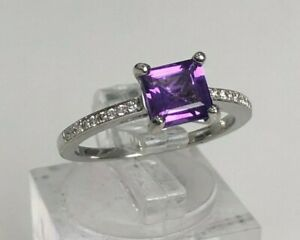 18ct solid gold with Amethyst & Diamond ring 3.05g size N 1/2 - 6 3/4