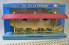 LIONEL POLAR EXPRESS STATION LIGHTED PLATFORM train passenger freight 6-37829