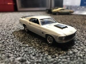 Johnny Lightning Muscle Cars USA - 1970 Ford Mustang BOSS 429 - Pastel Blue