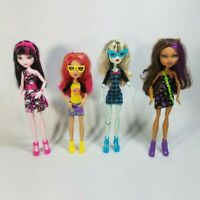 Lot of 4 Monster High Dolls Wi Accessories Draculaura Frankie Clawdeen & Howleen