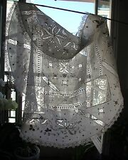Dentelle ancienne,nappe brodée,antique French lace and embroidery Tea tablecloth