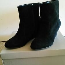 Giovanna Gorgeous Black Suede Leather Boots Size 7.5 NEW