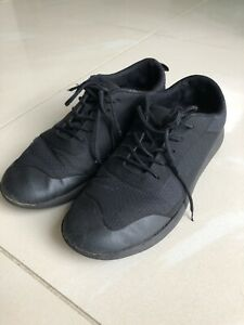 Clarks Boys Black Shoes Trainers - Size 6 UK