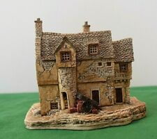 """Lilliput Lane """"Stockwell Tenement"""" Nos - Mint in original box with deed."""