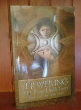 Lynn Flewelling - Book 1 of the Tamir Triad - The Bone Doll's Twin(Large Format)