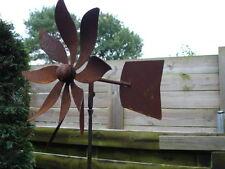 girouette ou éolienne simple en fer forgé, tourne avec le vent , superbe ...