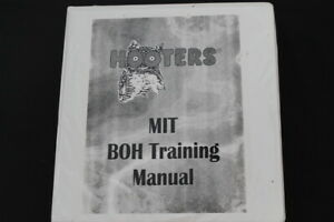 Vtg LIMITED MADE 2001 Hooters Management Kitchen Chef Cook Training Manual Book