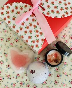 ROSE SCENTED SOAP BATH-BOMB CANDLE GIFT SET HANDMADE PAMPER PRESENTS