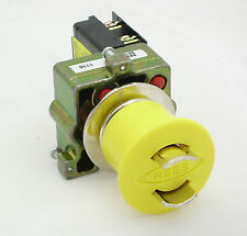 22102-104, Push Button Switch (22.5mm Operators - Maintained Lockable)