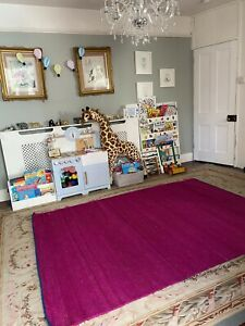 THE CONTEMPORARY LUXURY COMPANY & DESIGNER SARI SILK LARGE FLOOR AND PINK RUG
