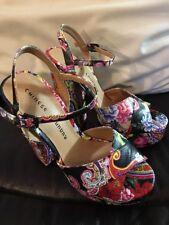 CHINESE LAUNDRY ABIE Floral Paisley Platform Sandals Heels, 6.5 EUR 37, Black