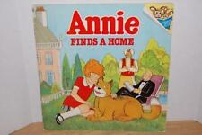 ANNIE FINDS A HOME - RANDOM HOUSE - 1982 - VINTAGE SOFT PAPERBOOK- VGC ~~