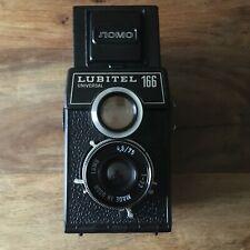 LOMO LUBITEL 166 universal; analoge Mittelformatkamera; TLR