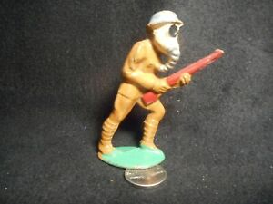 Manoil M93 Soldier with Gas Mask & Gun,  Lot# 892
