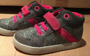 Clarks First Shoe Girls Pink Shoes Size 5 UK , 21 Euro