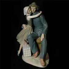 Vintage Retired Lladro The Kiss Gloss Finish Ceramic Figurine Made in Spain 4888
