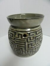 Scentsy Wax Warmer Labyrinth Green Geometric Maze Design Full Size with Bulb