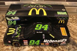 BILL ELLIOTT THUNDERBAT 1995 ACTION FORD THUNDERBIRD DIECAST BANK - 1/24 SCALE