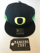 Oregon Ducks Nike NCAA True Woven Stripe Snapback Cap New with tags Black