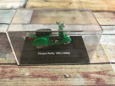 Moto Scooter miniature Vespa Rally 180 1968 au 1/32 New Ray