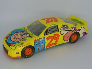 RACING CHAMPIONS 1996 STEVE GRISSOM #29 CARTOON NETWORK FLINTSTONES NASCAR 1:18