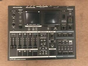 Roland VR-5 AV MIXER RECORDER