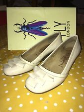 Womens FLY Cream Nude Patent Leather Wedge Heel Slip On Shoes Size 5