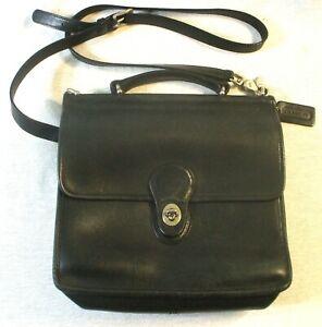 Coach Purse G060- 9927 Black Crossbody Bag Vintage Strap Turnlock Leather