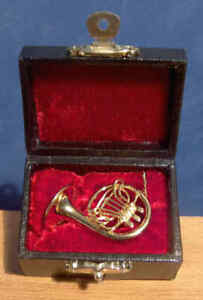Miniature French Horn Musical Instrument Ornament Music Boxed dolls house LGW