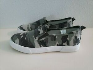 Tommy Bahama Women's Slip-On Camo Green Gray Canvas Sneaker Shoes 7.5 Med NEW