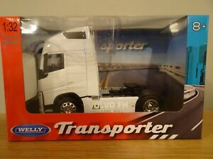 WELLY TRANSPORTER VOLVO FH 500 4X2 WHITE 2012-2020 TRUCK CAB MODEL 32690SW 1:32