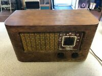 Vintage 1939 Wards Airline Tube Radio