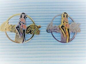 2 Coca Cola Erotik Phantasie Pins in gold und silber farbe a