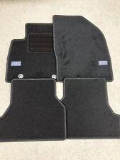 Fußmatten für Ford Focus MK2 2 RS Velour Schwarz Teppich Auto Neu