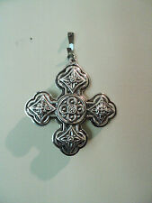 "VINTAGE 1971 REED & BARTON STERLING SILVER ""CHRISTMAS CROSS"" ORNAMENT, 16 GRAMS"