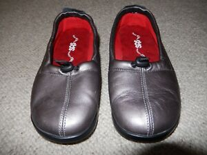 Womens SAS Flexible Comfort Funk Soft Pewter Slip-On Comfort Loafer sz 6WW