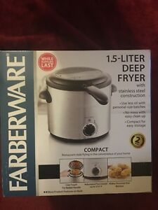 Farberware 1.5 - Liter Stainless Steel Deep Fryer Model FW-DF808