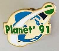 Planet 1991 Advertising Pin Badge Vintage (D11)
