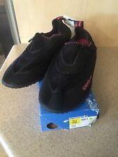 Speedo Zipwalker Water Shoes Women's Size 11 Non-Skid Sole Black With Pink, NIB