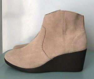 "CROCS Beige ""Leigh"" Suede Wedge Heel Ankle Boots Side Zip Size AU 9 NWOB"