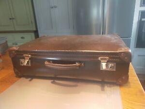 Everwear Vintage Brown Leatherette Suitcase