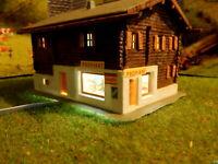 Alpenhaus Berghaus Berghütte mit Proviantladen BELEUCHTET Spur N C218