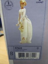Lladro Basket of Love 7622 - Lladro Society ( Her arm repaired )