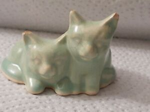 1930'S EARLY RARE NELSON MCCOY ART POTTERY MINIATURE PASTE GREEN CATS  FIGURINE