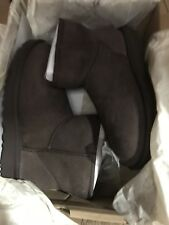 Uggs Size 5.5