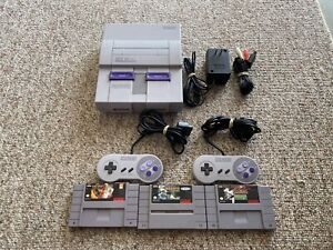 Super Nintendo SNES SNS-001 Console, 2 Controllers, and 3 GAMES!!!