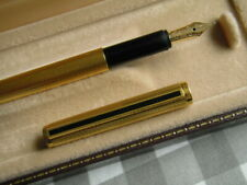 Vintage Dunhill fountain pen