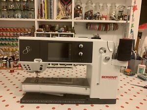 Bernina 820 sewing machine.  Professionally Serviced Last Week. Embroidery/Quilt